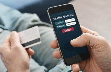 Top 6 Reasons for Using a Mobile Banking App